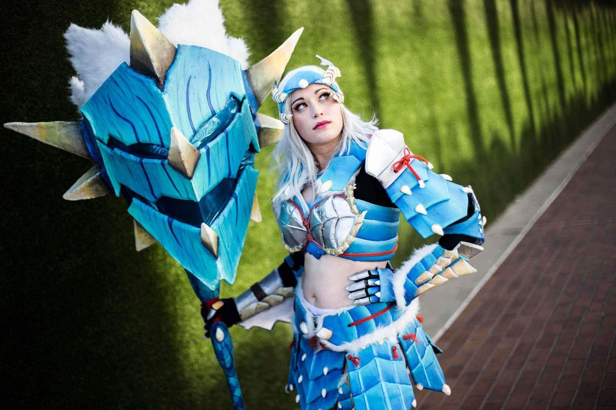 KEM Cosplay as Monster Hunter 3 Zinogre Armor