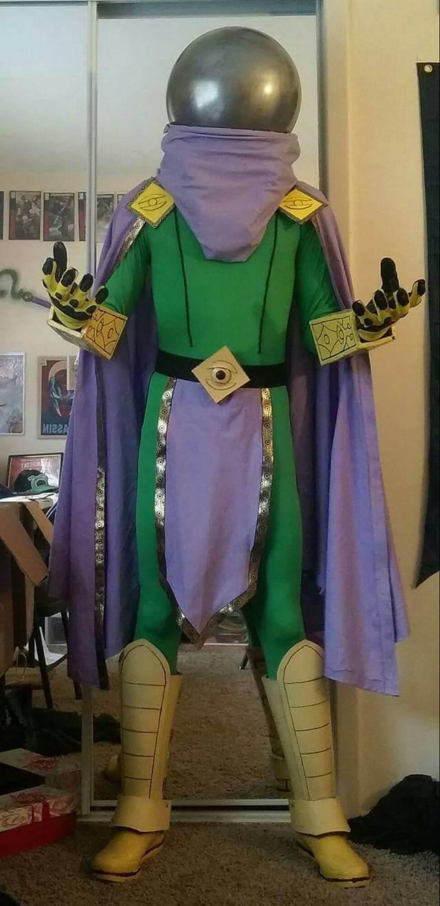 Lekár Cosplay as Mysterio