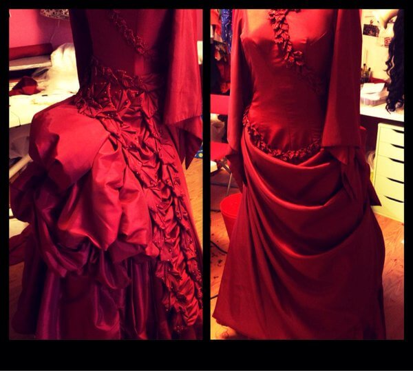 Mina costume details