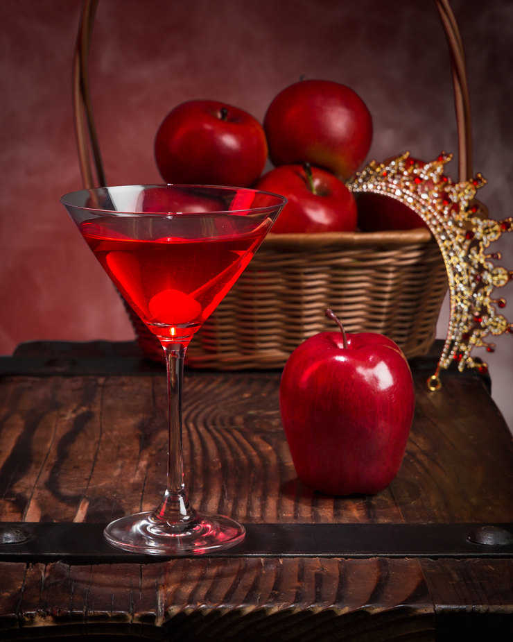 Disney Cocktails/Mocktails Recipes: Evil Queen's Sleepy Appletini