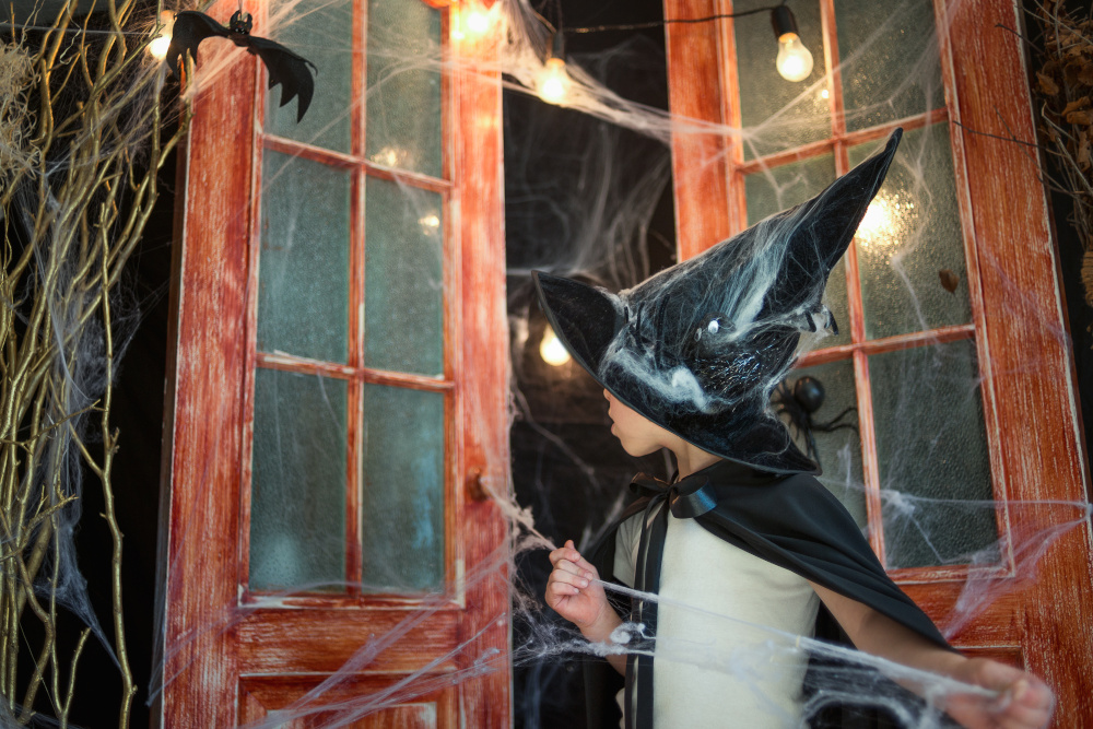 Scary Halloween Door Decor Ideas