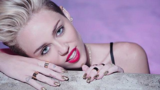 Video Still Miley Cyrus Accessories