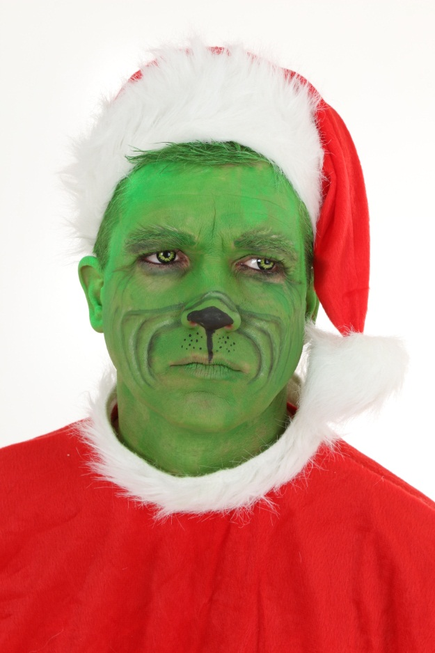 DIY Grinch Makeup