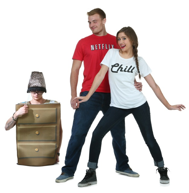 DIY Netflix and Chill Couples Halloween Costume - Halloween ...