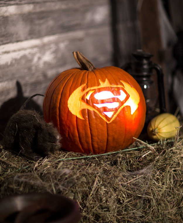 BatmanVSuperman pumpkin