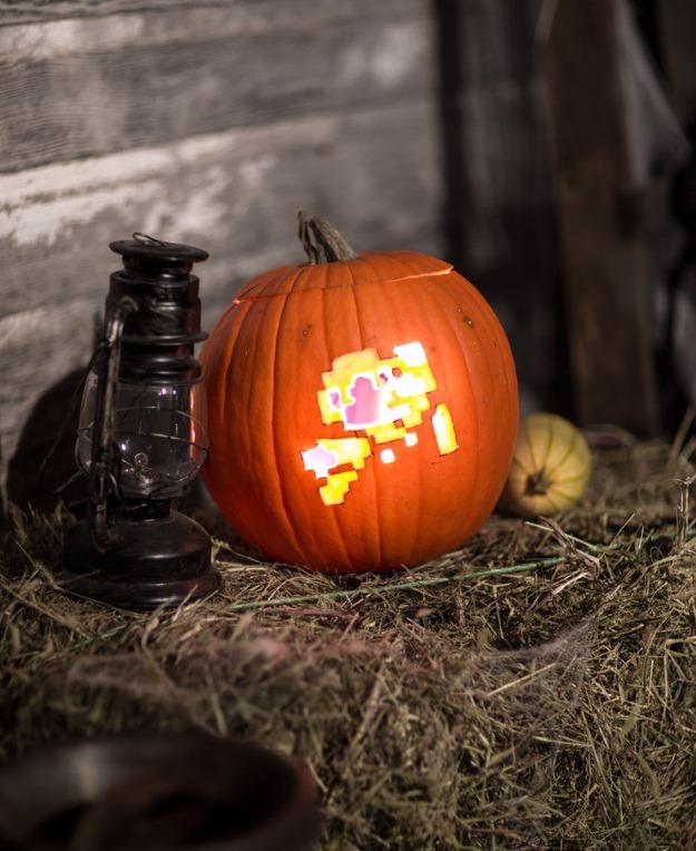 8 bit mario pumpkin