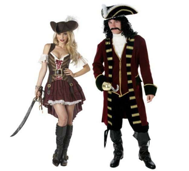 Pirate Couples Costume.jpg  sc 1 st  Halloween Costumes & Classic Couples Halloween Costume Ideas - Halloween Costumes Blog