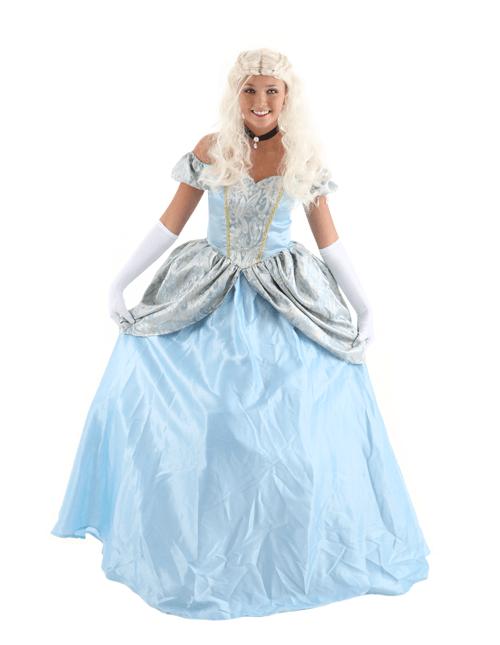 Curtsey Cinderella Pose