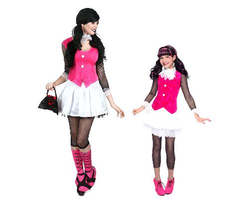 Scary Pair Costume Pose