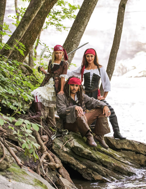 A Pirate Family That Sails Together Stays Together! Costumes