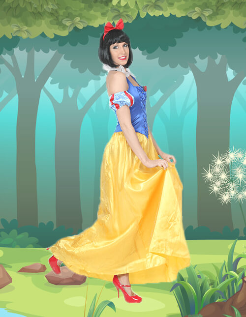 Snow White Swing Your Skirt Pose