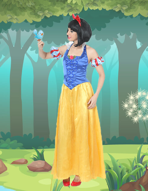 Snow White Sing to Your Animal Friends Pose