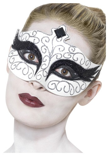 Gothic Swan Eyemask By: Smiffys for the 2015 Costume season.