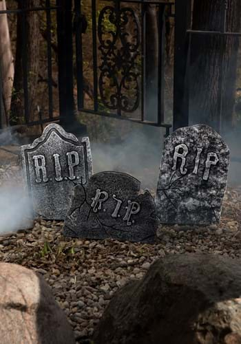 Crooked Stone Tombstone Set Halloween Decoration