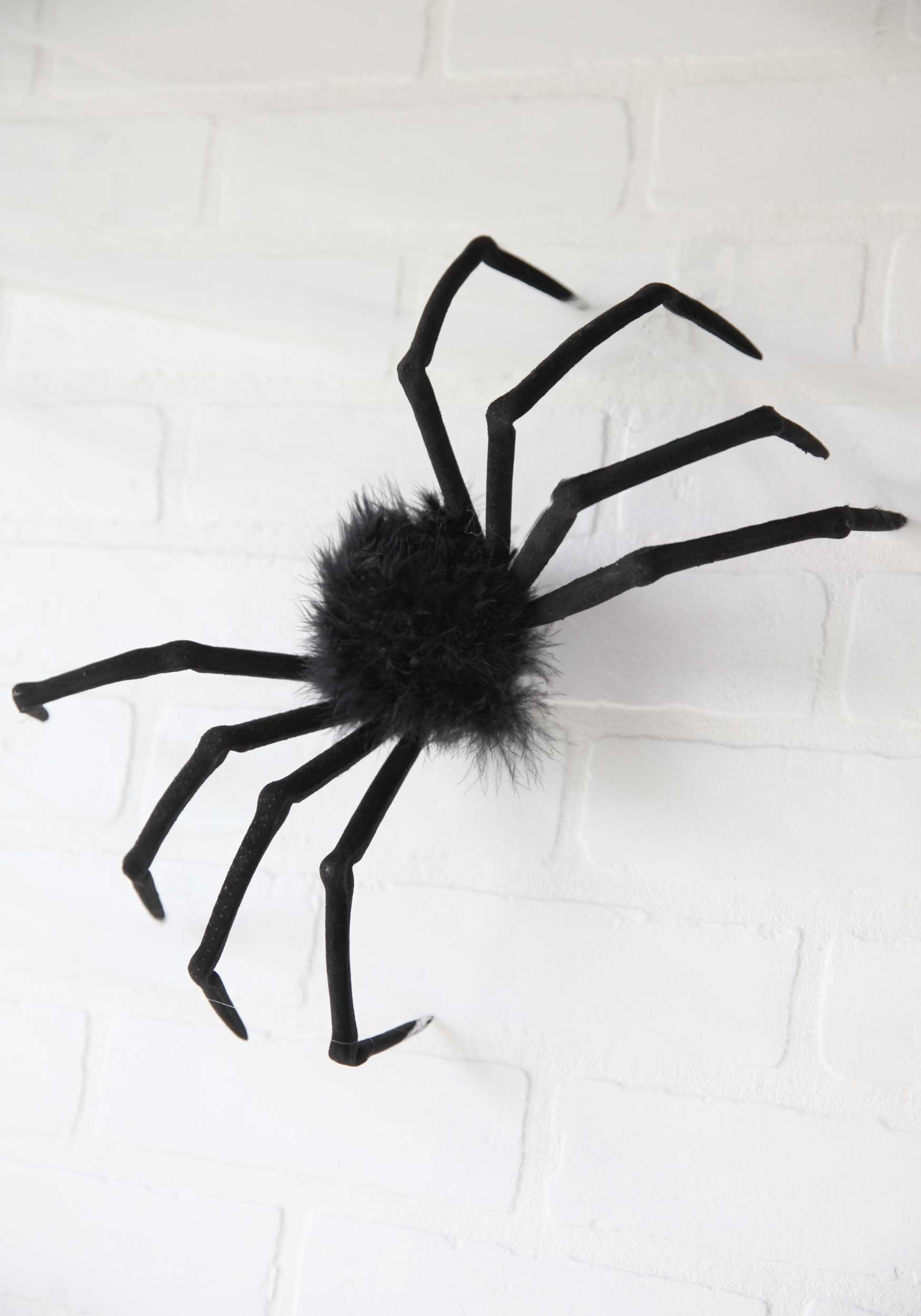 Halloween Spider Webs and Plastic Spiders Spiderweb Decorations