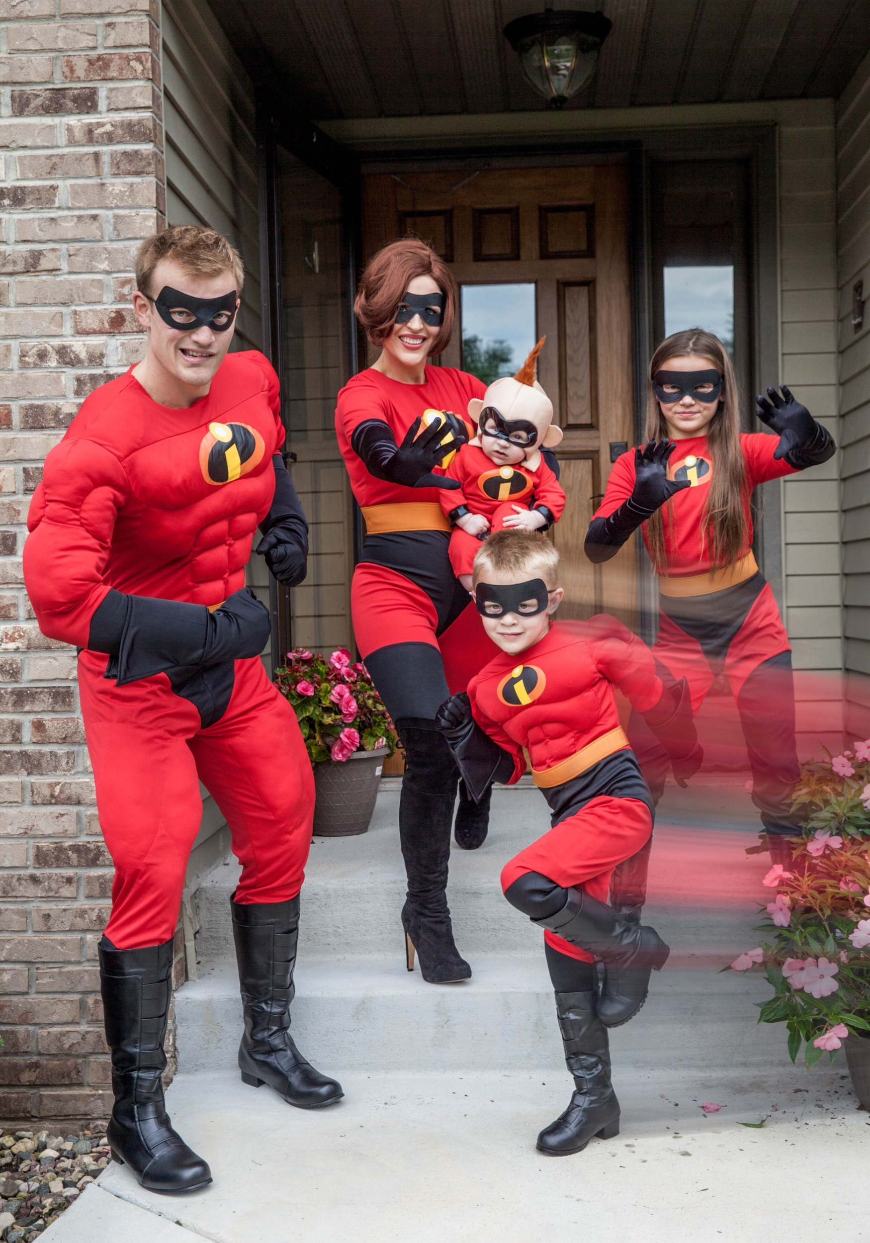 Mr Incredible Adult Costume 11