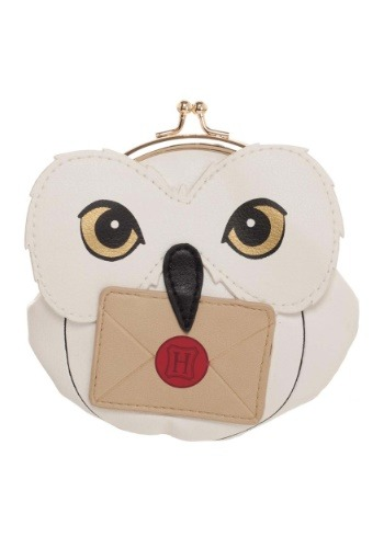 This Harry Potter Hedwig Coin Pouch is sure to please your Harry Potter fan. It is a definite must have, being both useful and so cute. #purse