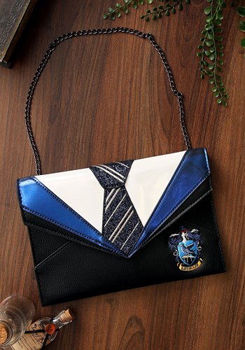 Celebrate your favorite house from Harry potter with this fantastic Danielle Nicole Harry Potter Ravenclaw Clutch. #purse