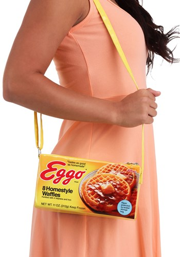 Want to carry your waffles and make it as obvious as possible? Then this Eggo Box Purse is the purse for you! #purse