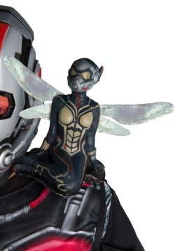 Wasp Shoulder Accessory