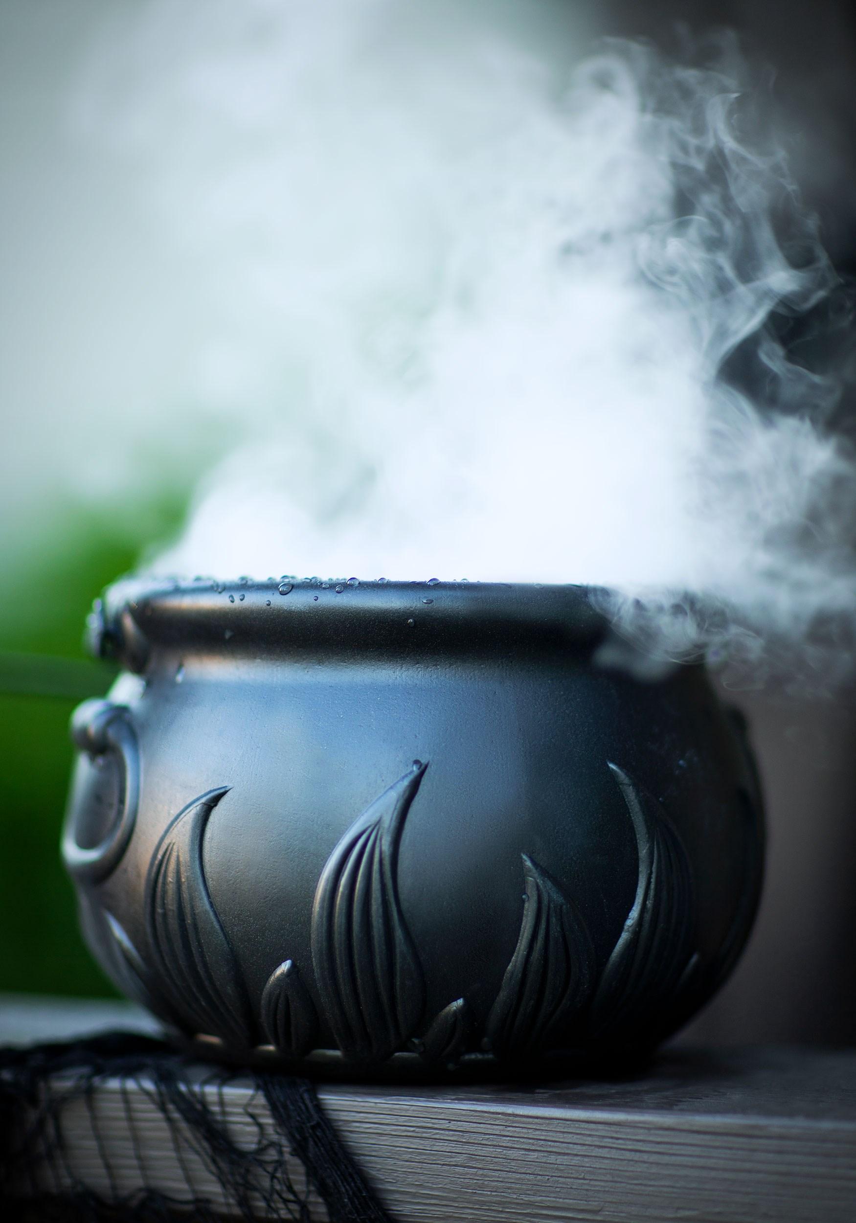 Smoking Cauldron Halloween Decoration Halloween Cauldron