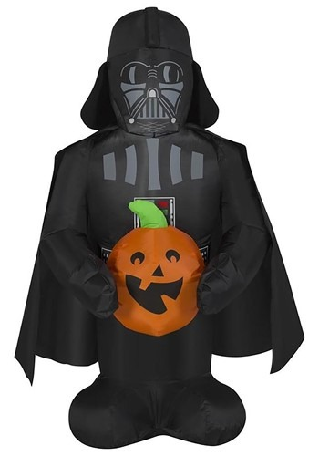 Star Wars Inflatable Darth Vader Holding Pumplin